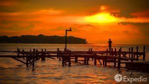 Jakarta Vacation Travel Guide | Expedia (4K)
